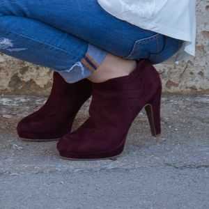 Suede Kenneth Cole booties